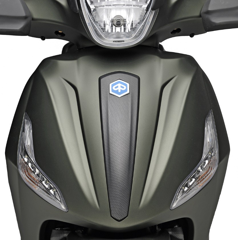 PIAGGIO BEVERLY CARBON LOOK